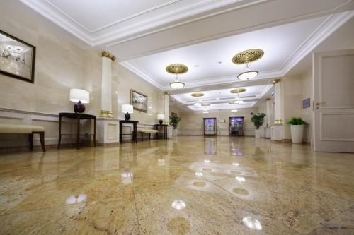 Granite-Floor-Tile